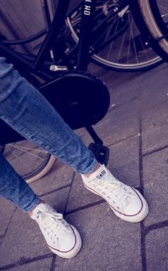 Mayo 2012 © Juanlu Real #converse #teenstyle We love these to pair with ANY outfit.