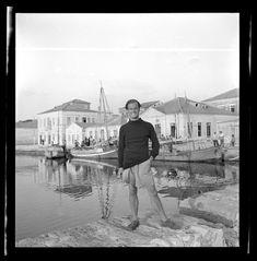 Joan Leigh Fermor. Φωτογράφος και αγαπημένη Μουσείο Μπενάκη Ελληνικού Πολιτισμού - Καρδαμύλη Πάτρικ Λι Φέρμορ - ελcblog - exhibitionism - ελcBlog - elculture.gr Patrick Leigh Fermor, Costa, Alberto Giacometti, Photography Articles, Female Photographers, Artist Names, France Travel, Athens, Caribbean