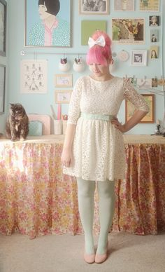 Very nice pastel outfit. Dress from Mod Cloth, tights from We Love Colors.
