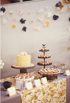 Wood log cake stands are my fave on http://www.youaremyfave.com