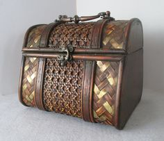Handbag Vintage Treasure Chest Bamboo and Brass over Wood Frame Bag Top Handle Bag Tropical Resort Natural Browns Brass Hardware (18.00 USD) by HobbitHouse