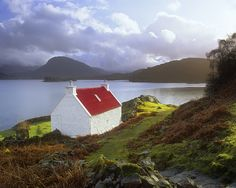 Picture Postcard, Kenmore, Torridon, Scotland, highland, cottage, white, red, roof, postcard, irresistable, green, grass photo