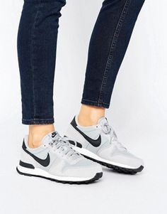 Nike Internationalist Sneakers In Grey Sneakers Mode, New Sneakers, Casual Sneakers, Air Max Sneakers, Sneakers Fashion, Fashion Shoes, Cheap Fashion, Fashion Men, Nike Internationalist