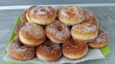 Donuts + home + to + oven + mummm Baked Donut Recipes, Baked Donuts, Baking Recipes, Chocolate Donuts, Chocolate Recipes, Brioche Donuts, Desserts With Biscuits, Homemade Donuts, Homemade Breads
