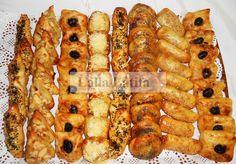 Les secrets de cuisine par Lalla Latifa - Mssamens prestiges Plats Ramadan, Latifa, Tunisian Food, Moroccan Dishes, Algerian Recipes, Ramadan Recipes, Food Platters, Arabic Food, Appetizers For Party