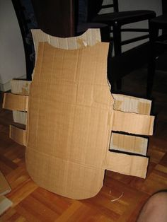 christmas costumes for school Roman-esque Soldier Uniform - From Cardboard!: 11 Steps (with Pictures) Roman Soldier Helmet, Roman Soldier Costume, Cardboard Costume, Cardboard Art, Recycled Costumes, Diy Costumes, Biblical Costumes, Medieval Party, Halloween Sewing