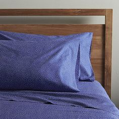 Marimekko Kiss Kiss Sheet Sets - Another patterned sheet set White Pillows, Bed Pillows, Linen Company, Twin Sheet Sets, Patterned Sheets, Small Room Bedroom, Master Bedroom, Cotton Sheets, Marimekko