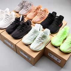 Yeezy Boost 350 Infant Toddler Kids Available Now-KicksVogue Source by lifeis_goodxo shoes Kids Yeezys, Basket Style, Sneakers Fashion, Shoes Sneakers, Yeezy Boots, Yeezy Outfit, Hype Shoes, Buy Shoes, Aesthetic Shoes