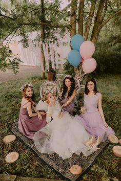 Bride, to be bride, bridesmaid, maid of honor, wedding, dress, bridesmaid's dress, wedding dress, rustic, pastel, wedding decor, decor