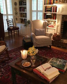 traditional and cozy living room inspiration ideas 2019 42 Design Living Room, Cozy Living Rooms, My Living Room, Home And Living, English Living Rooms, Living Room Oriental Rug, Cosy Cottage Living Room, English Cottage Bedrooms, Country Style Living Room