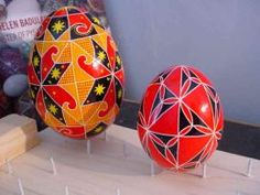 Learn to make Ukrainian Easter Eggs (Pysanky) - used to love making these when I was a kid.