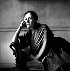 Dora Maar - French photographer, poet and painter, best known for being a lover and muse of Pablo Picasso. Photo by Irving Penn, 1948 ~Via Pamela Scott Dora Maar, Pablo Picasso, Photo Portrait, Portrait Photography, Indoor Photography, Female Portrait, Irving Penn Portrait, Matt Hardy, Image Mode