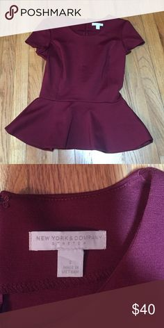 😊REDUCED😊Very flattering peplum top Never worn, excellent condition New York & Company Tops Blouses