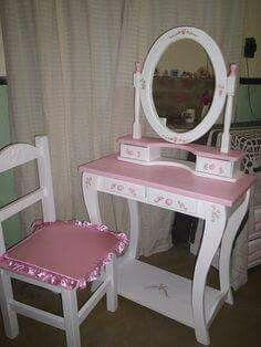 Painted Makeup Vanity, Diy Makeup Vanity Plans, Makeup Vanities, Girl Room, Girls Bedroom, Kids Dressing Table, Princess Bedrooms, Deco Paint, Cool Woodworking Projects