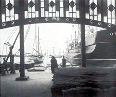 Memoria gráfica de España. Puerto de Valencia desde uno de sus Tinglados ca. 1950. Quizás también le interese: