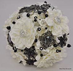 Crystal butterfly Brooch Bouquet in black! #wedding #bouquet