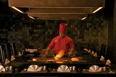 Gaijin Teppanyaki bar. Japanese Restaurant with showcooking. 6 course fine dining