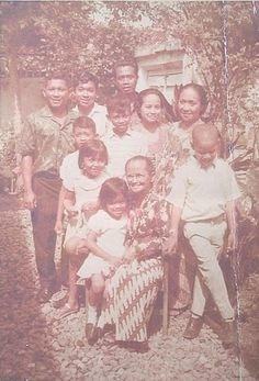 29 Photos Of Baby Barack Obama barry soetoro (adopted by his step father Lolo) all his family of 4 had soetoro last name. from 2yrs old he lived in Islamic Indonesia & went to school there.  until he was an older teenager.