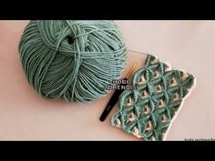 PEK ÇOĞUNUZUN VİDEOSUNU ARADIĞI BOMBA GİBİ 3D #ÖRGÜ MODELİ GELDİ 😏😏HEART #3D #CROCHET 🌟🌟🌟 - YouTube Crochet Basket Pattern, Baby Knitting Patterns, Crochet Lace, Crochet Stitches, Crochet Patterns, Knitting Videos, Crochet Videos, Crewel Embroidery, Beaded Bracelets