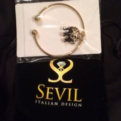 18k gold bracelet SOLD Brand new, comes with bag and original packaging Jewelry