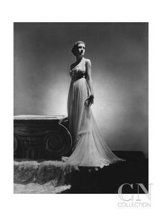 Published February 1936  Mrs. Leo d'Erlanger wearing a long gathered white chiffon dress by Alix (Mme. Gres) by Horst Madame Gres, White Chiffon, Chiffon Gown, Fashion Art, Editorial Fashion, Fashion Pics, Fashion History, High Fashion, Vintage Outfits