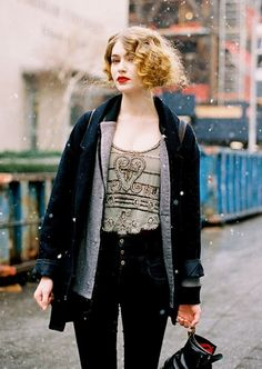 vintage short curly hairstyle women