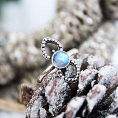∘☽☾∘ Queen of Hearts ∘☽☾∘ shopdixi.com ∘☽☾∘ shopdixi // christmas // winter // jewelry // jewellery // boho // bohemian // grunge // goth // cute // rainbow // moonstone // sterling silver // ring