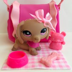 Littlest Pet Shop RARE Dachshund #932 w/Pink Star Eyes & Accessories #Hasbro