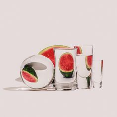 In her continuing series titled Perspective, photographer Suzanne Saroff creates fractured and skewed pictures of ordinary foods as observed through containers full of water and glass items. The graphics play theories of light and shadow Glass Photography, Object Photography, Fruit Photography, Still Life Photography, Creative Photography, Photography Sketchbook, Photography Series, Friend Photography, Maternity Photography