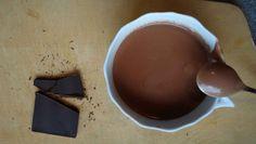 Ohne Milch und Zucker: Heiße Schokolade auf Paleo Art: Cremig, lecker und gehaltvoll. Und außerdem gesund. So muss das sein! Ein absoluter Stimmungsheber.