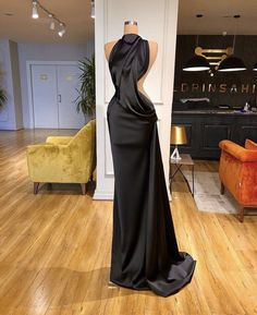 Glam Dresses, Event Dresses, Fashion Dresses, Formal Dresses, Prom Outfits, Classy Outfits, Stunning Dresses, Pretty Dresses, Award Show Dresses
