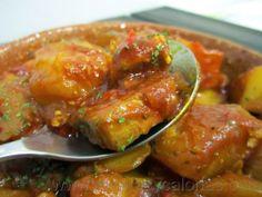 Emperador en salsa Spanish Kitchen, Spanish Food, Pescado Recipe, Fish And Seafood, Fish Recipes, Tapas, Salmon, Vegetarian Recipes, Beef