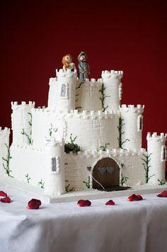 Beautiful Castle Wedding Cake