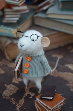 This is so adorable! Little Reader Mouse with Glasses - Felting Dreams - READY TO SHIP. $68.00, via Etsy.©