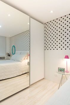 View full picture gallery of Apartamento Jardins Small Rooms, Small Apartments, Room Interior, Interior Design Living Room, Interior Modern, Home Bedroom, Bedroom Decor, Bedrooms, Suites