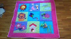 Soy una antojosa!!!! Una amiga me enseño la manta de actividades que le había hecho a su hijo a patchwork y me alucino tanto que se me meti...