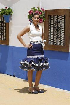 Galería de fotos Los trajes de El Arenal - Foto 2 - Diario Córdoba 2014 African Attire, African Wear, African Dress, Flamenco Costume, Flamenco Skirt, Casual Skirts, Short Skirts, Short Dresses, African Print Skirt