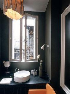 I want a black bathroom.