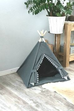 Your dog or cat loves having their own private space. Your pet will have his own cozy Teen Bedroom Designs, Girls Bedroom, Canvas Teepee, Puppy Room, Standing In The Rain, Dog Rooms, Pet Beds, Dog Houses, Diy Stuffed Animals