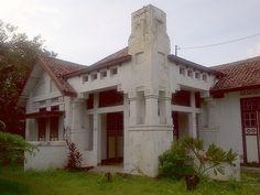House, Menteng, Jakarta, P.A.J. Moojen, 1910.  Photo by Huib Akihary