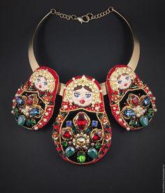 """Distinctive necklace with three Russian dolls   Купить Колье """"Три Девицы"""" Матрешки - ярко-красный, брошь матрешка, матрешки, русский стиль"""