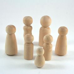 Wooden Peg Dolls - 7 Person Family Set