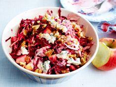Unser beliebtes Rezept für Winterlicher Weißkohlsalat mit Roter Bete und mehr als 55.000 weitere kostenlose Rezepte auf LECKER.de.