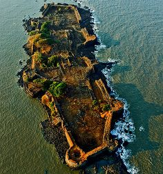MUST SEE: Uddhav Thackeray's pics of Maharashtra forts Amazing India, Amazing Nature, Indian Architecture, Beautiful Places To Travel, Tourist Places, India Travel, Beautiful Islands, Nature Pictures, Places To See