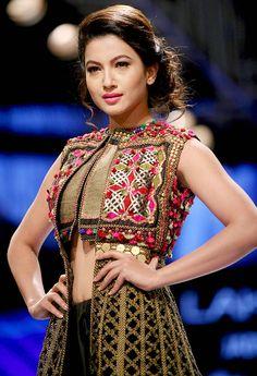 Gauahar (Gauhar) Khan at Lakme Fashion Week Winter/Festive Lehenga, Anarkali, Churidar, Indian Fashion Trends, Asian Fashion, Look Fashion, Ethnic Fashion, Indian Attire, Indian Wear