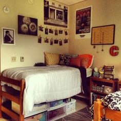 Dorm Room Picture Wall Ideas Brilliant Dorm Room Organization For Everything You . Show Us Your Beautifully Decorated Dorm Room. 6 College Dorm Renovations That Should Be On HGTV. Home and Family Dorm Room Pictures, Dorm Layout, Dorm Room Organization, Organization Ideas, Organizing, Cool Dorm Rooms, Decor Inspiration, Bedroom Inspiration, Bedroom Inspo