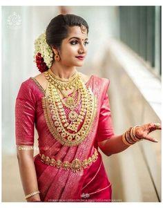 Kerala Hindu Bride, South Indian Wedding Saree, Indian Bridal Sarees, Indian Bridal Fashion, Indian Bridal Wear, Indian Beauty Saree, South Indian Weddings, Pattu Sarees Wedding, Kerala Wedding Saree