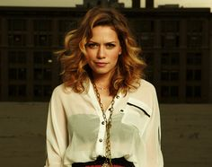 Bethany Joy Lenz her hair! She is gorgeous love her!