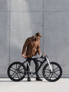 Check this out on leManoosh.com: #Bicycle #Bike #Black #Leather #Matte #Metal #Saddle #Silver #Structure #Transport