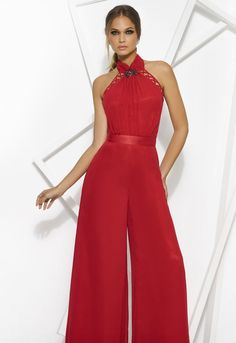it is elegant ,simple ,practical which make it a good choice for work or evening and if you are not dress fan the party jumpsuit will be your perfect choice . It is an effortless style just wear it and go blow some minds. Casual Jumpsuit, Jumpsuit Outfit, Red Fashion, Look Fashion, Sexy Dresses, Fashion Dresses, Long Dresses, Dresses For Formal Events, Fiesta Outfit